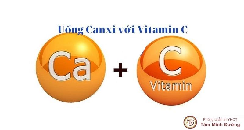 Sỏi thận có uống được Canxi và Vitamin C không
