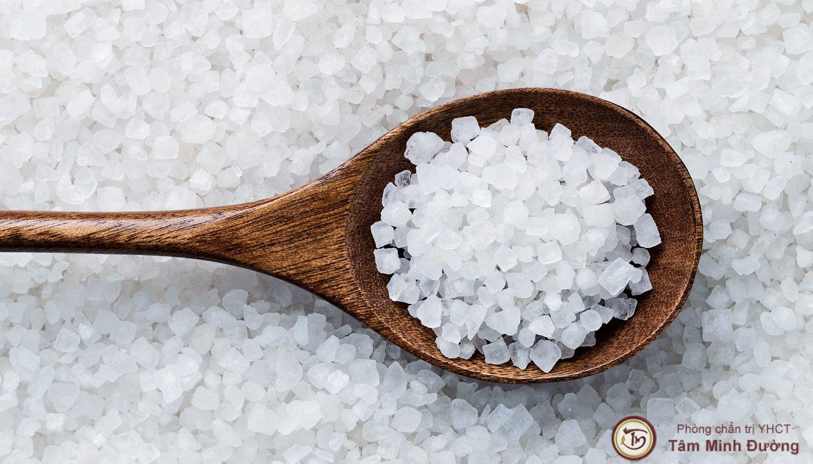 chữa hắc lào bằng muối