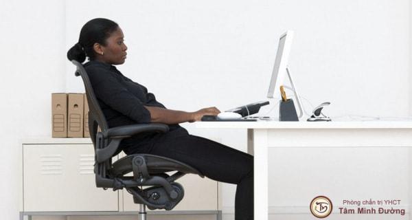 ghế ngồi chống đau lưng
